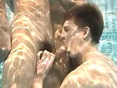 Some champs doing fellatio underneath water