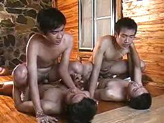 Two couples of Asian twinks smokin' on the floor