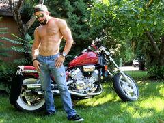 Motor Bike Cum, Scene #01