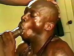 Black homo taking good anal reaming