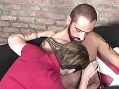 Hot homosexual amplifies buttocks for bear
