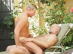 Horny man insane jumps on old pecker of bear twink