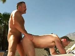Bear placid gay fucks dilf in doggy style outdoor