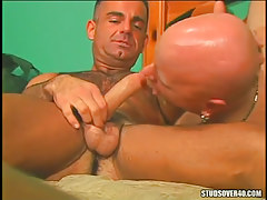 Bear dilf sucked by bald boo