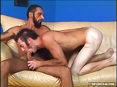 Mature bear twink sucked by comrade