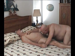Old faggot engulfing cock in sofa
