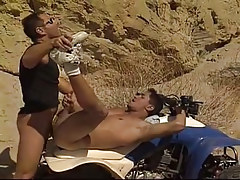 Amateur chap accepts his 1st anal in desert